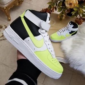Nike Women's Air Force 1 High Sample Shoe